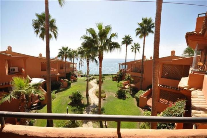 Estepona, Front line beach apartment located in Estepona