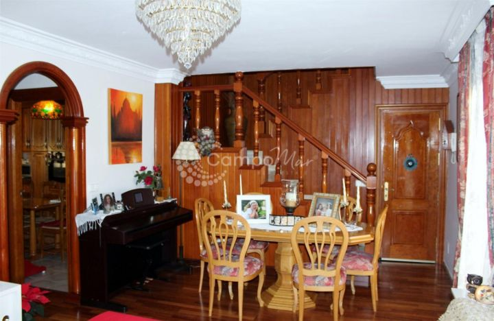 Estepona, High standard 3 bedroom townhouse situated in the heart of the Estepona old town with a huge 80m roof terrace