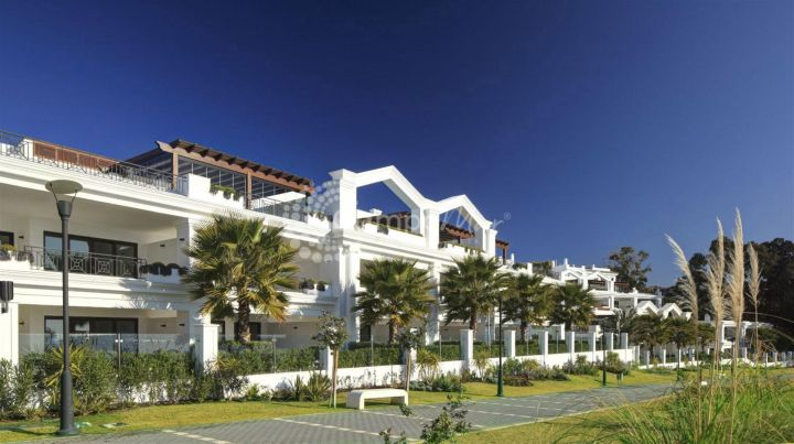 Estepona, Luxurious and exclusive 3 bedroom penthouse apartment with the highest standards throughout and stunning views