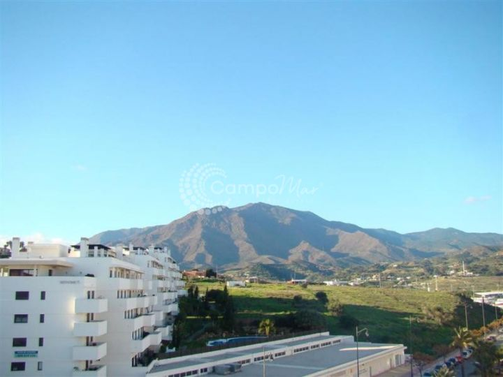 Estepona, Large apartment with spacious roof terrace in the heart of Estepona