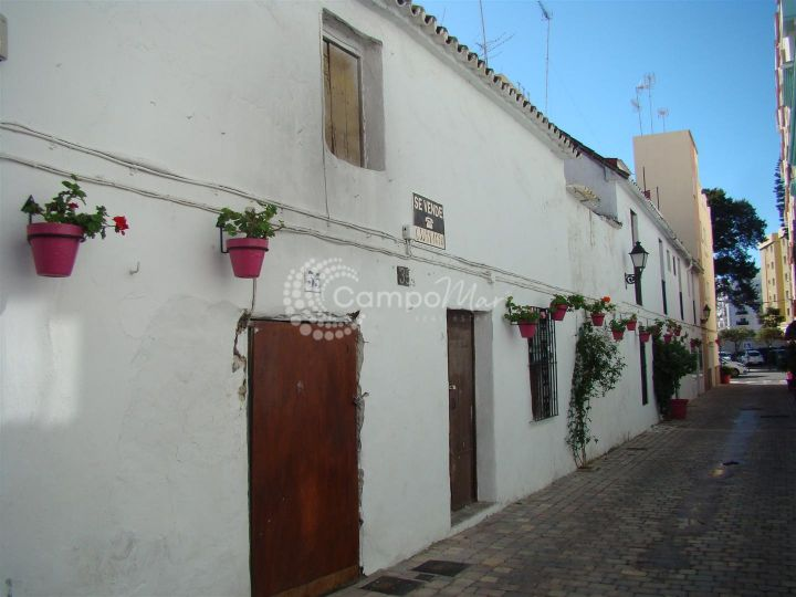 Estepona, Stunning opportunity for redevelopment in the heart of Estepona old town plot consists of 200m2