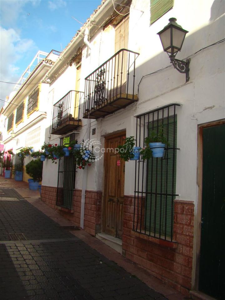 Estepona, LARGE VILLAGE HOUSE IN ESTEPONA