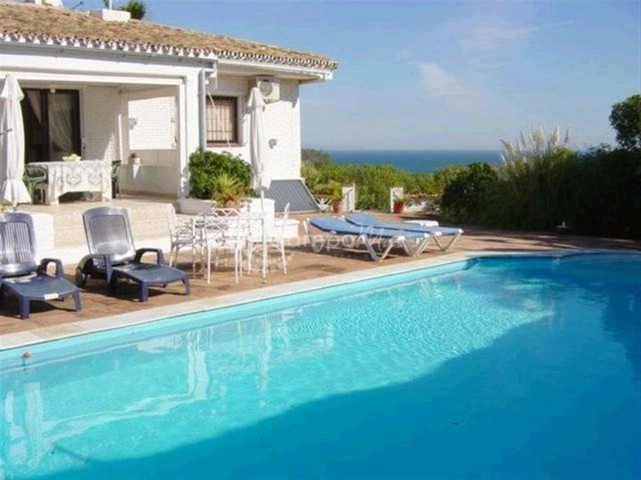 Manilva, Stunning sea views from this bungalow style villa in Manilva