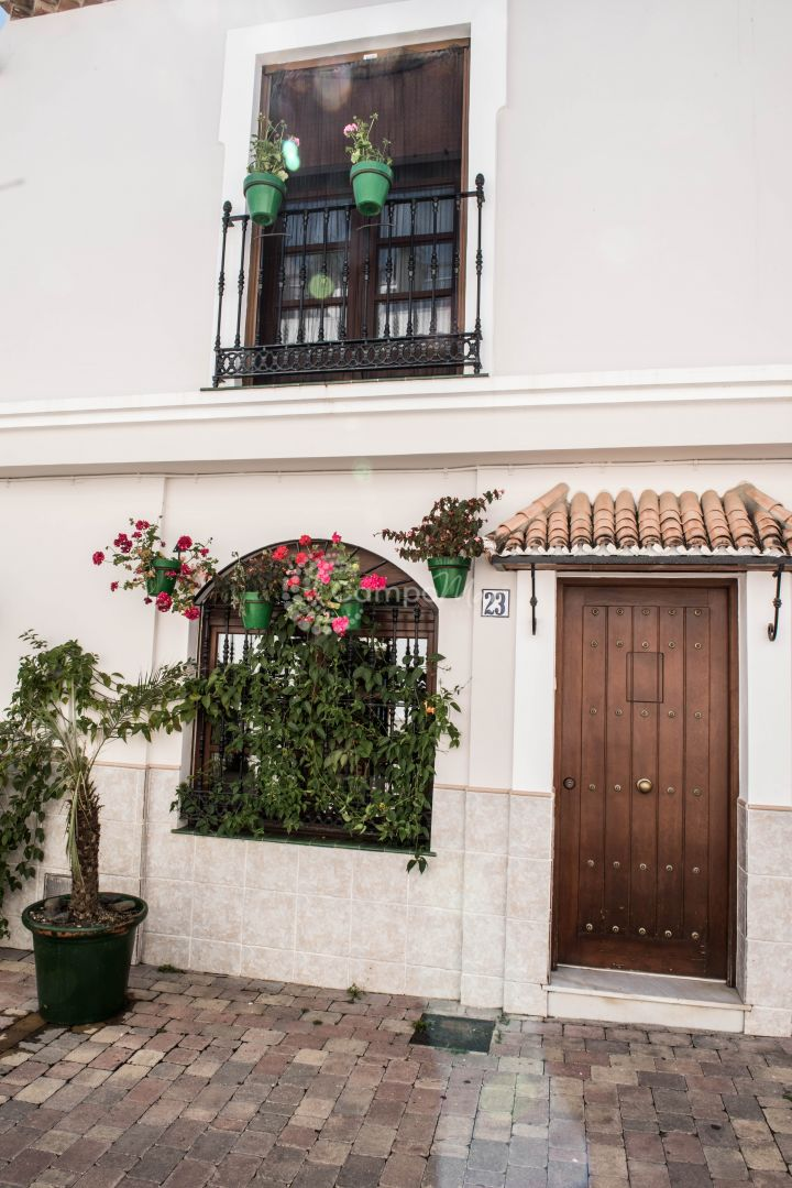 Estepona, A wonderful property situated in the very heart of Estepona old town on a pedestrianised and very quiet street