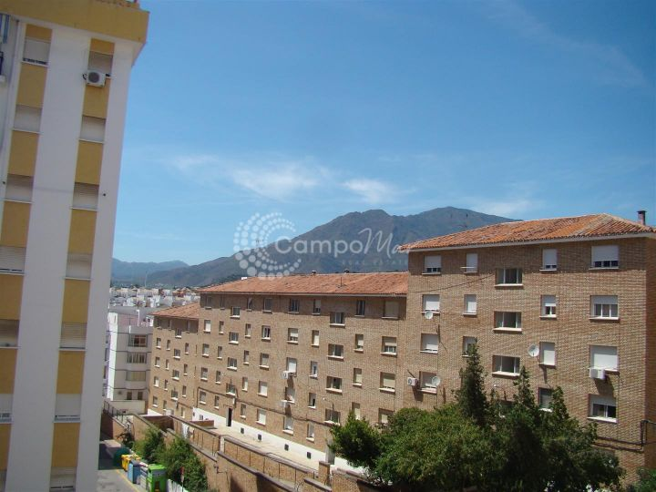 Estepona, Spacious 3 bedroom apartment located in Estepona old town close to the new botanical garden area