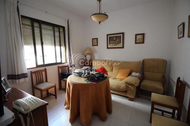 Estepona, Fantastic apartment in good condition ideally situated close to the port in Estepona
