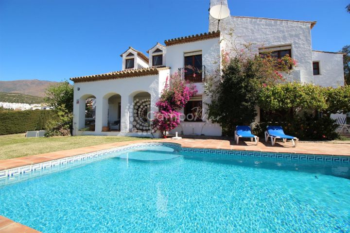 Estepona, Beautiful traditional villa in Valle Romano, Estepona