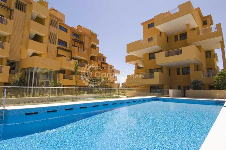 Sotogrande, A wide range of beautiful apartments around the Sotogrande marina, complete with indoor and outdoor pools and 24 hour security