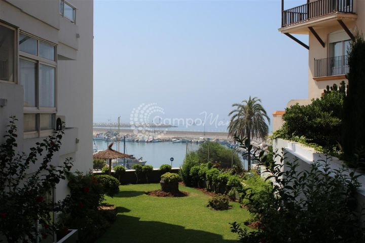 Estepona, Spacious studio for sale in Estepona Port