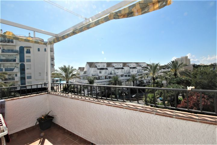 Estepona, Fantastic opportunity - 3 bedroom apartment in the port area of Estepona