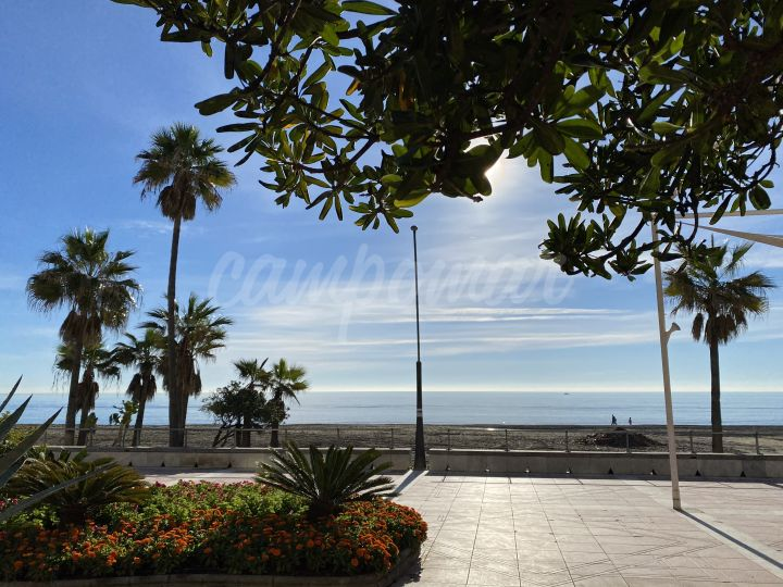 Estepona, Great apartment available close to the beach in Estepona