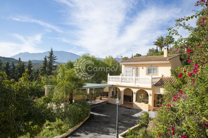 Country House for sale in El Padron - Estepona Country House