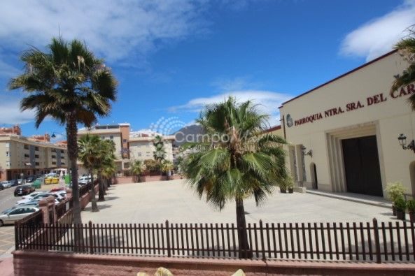 Estepona, Renovated and furnished three bedroom apartment available in Estepona
