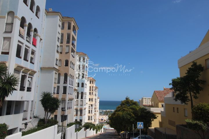 Estepona, Estepona Port, three bedroom apartment for sale