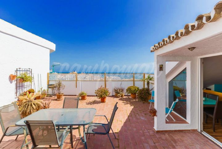 Estepona, Duplex penthouse for sale in the Seghers area of Estepona