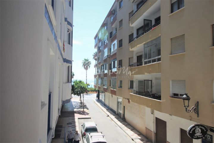 Estepona, Apartment second line to the beach in the heart of Estepona