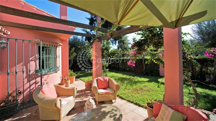 Estepona, Stylish countryside home for sale in the Guadalobon area!