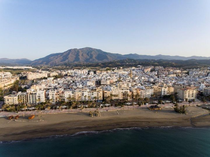 Estepona, New apartments in the heart of Estepona, with hand over for 2021!