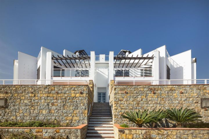 Casares, Fantastic front line beach two bedroom apartment for sale in Casares Playa