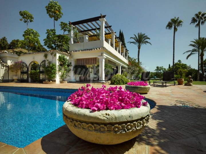 San Pedro de Alcantara, ELEGANT VILLA WITH LARGE GROUNDS