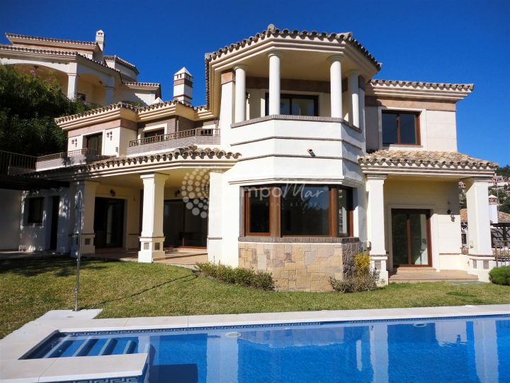 Benahavis, BRAND NEW VILLA WITH SEA AND GOLF VIEWS