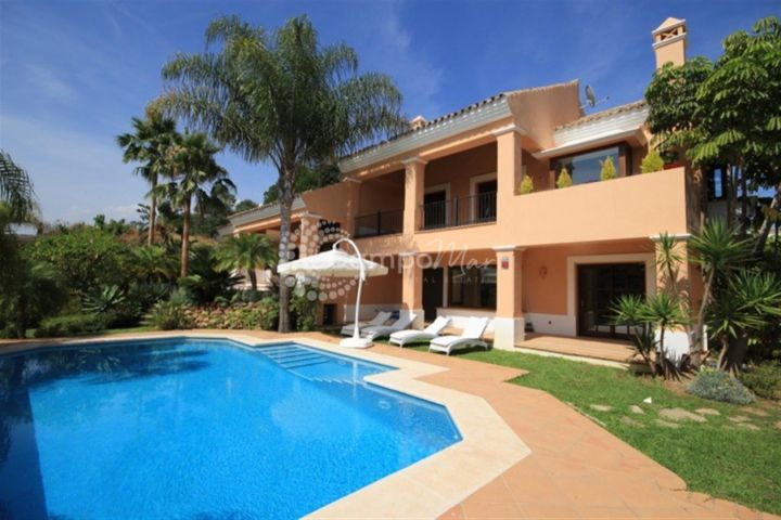 Estepona, FRONT LINE GOLF VILLA WITH PLOT