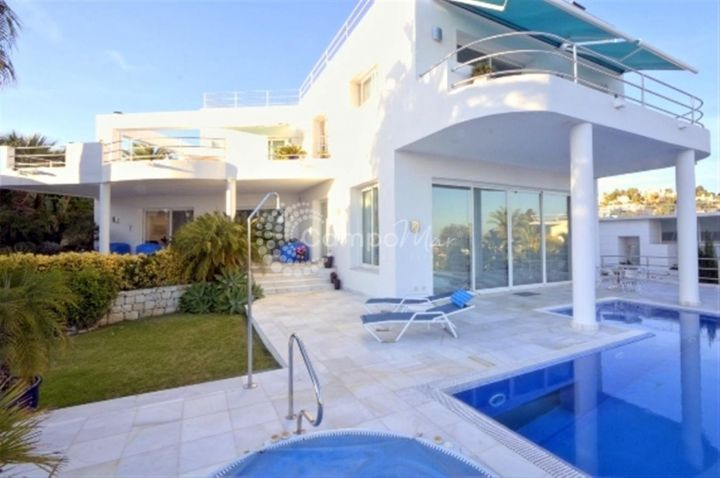 Benahavis, DESIGNER VILLA WITH SEA VIEWS