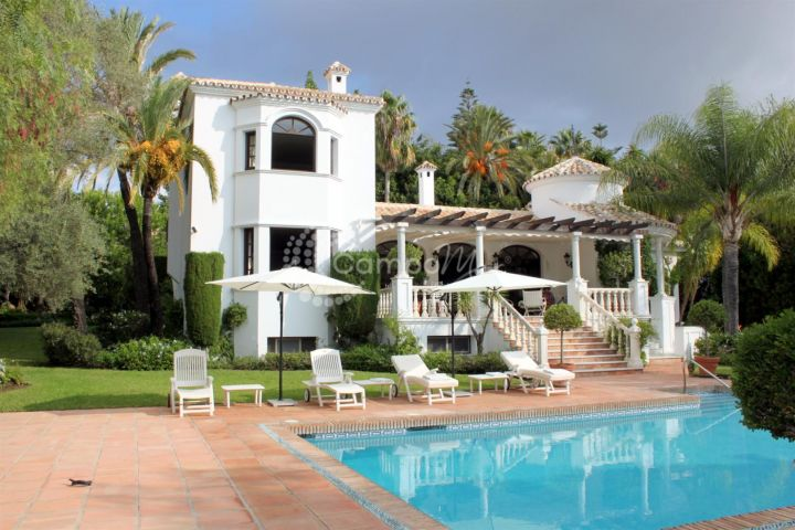 Estepona, BEAUTIFUL VILLA FOR SALE