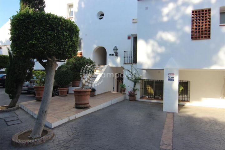 Benahavis, QUAINT APARTMENT FOR SALE NEXT TO GOLF COURSE
