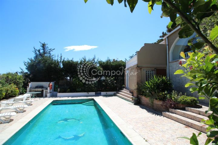 Estepona, Detached villa with separate guest accommodation - super rental potential