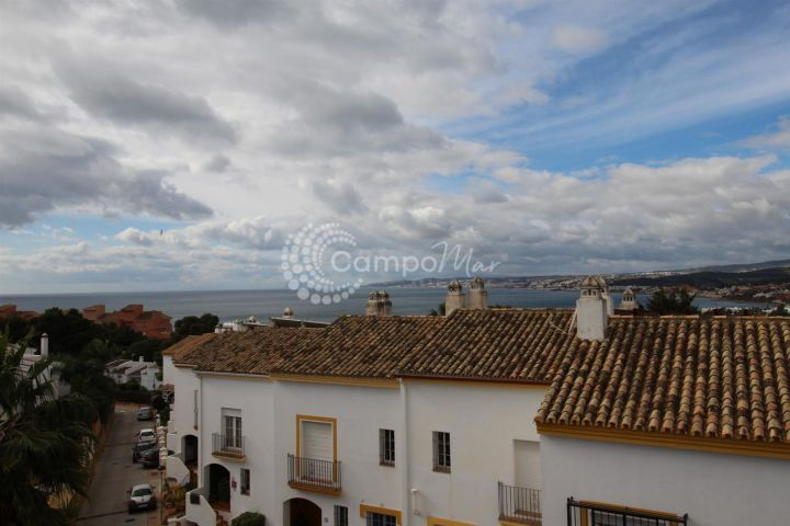 Estepona, Seghers, Estepona. Large family home for sale.