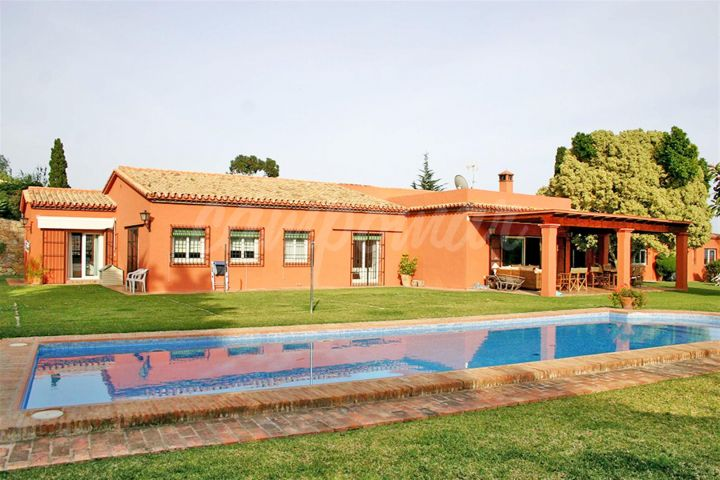 San Pedro de Alcantara, BEAUTIFUL FAMILY VILLA IN SAN PEDRO ALCANTARA