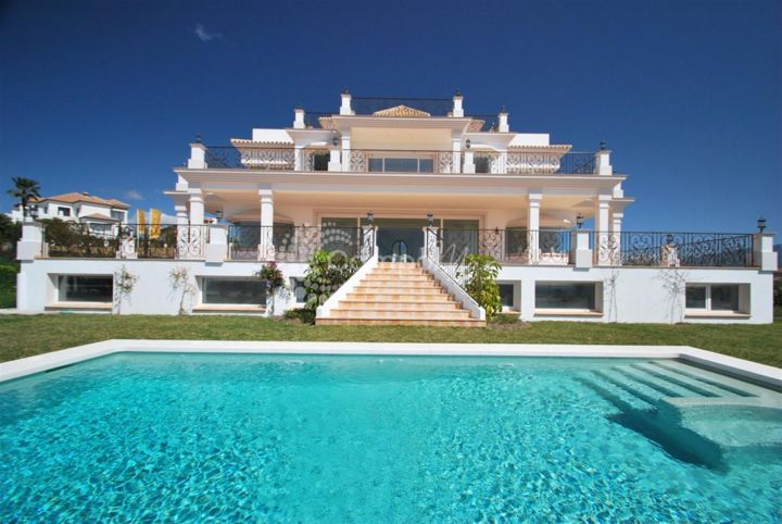 Benahavis, AMAZING VILLA WITH STUNNING VIEWS