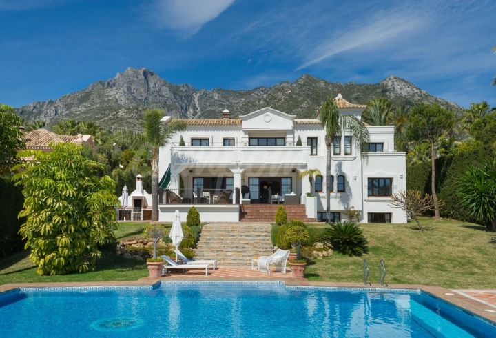 Marbella Golden Mile, PANORAMIC VIEWS FROM THIS LUXURY VILLA IN SIERRA BLANCA
