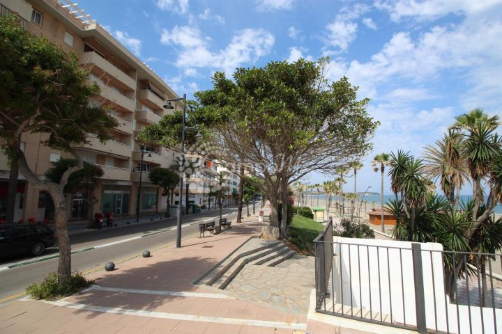 Estepona, Fantastic apartment in ideal location in Estepona town