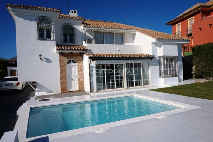 Estepona, Fantastic qualities throughout this family villa in Seghers, Estepona