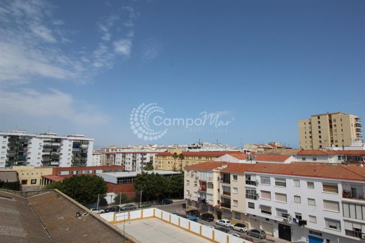 Estepona, Apartment with terrace close to the beach in Estepona