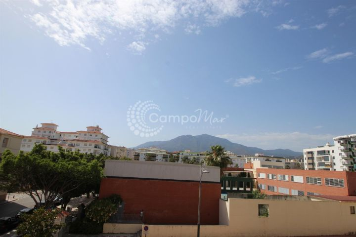 Estepona, Opportunity to purchase a bargain apartment in Estepona town