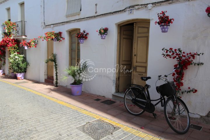Estepona, Typical village house, located in the very heart of Estepona Old Town