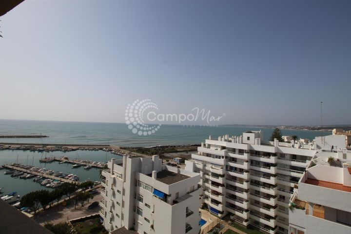 Estepona, Estepona port apartment with spectacular sea views