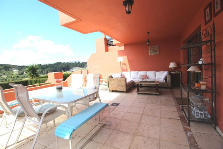 Casares, For sale in the popular Doña Julia area of Casares, spacious modern apartment