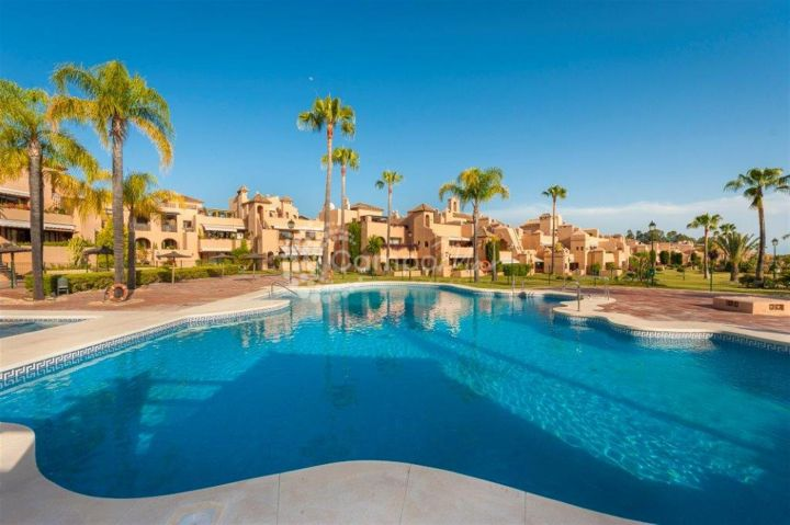 Estepona, Beautiful ground floor apartment available in La Cartuja, Estepona