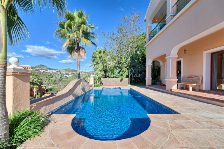 Benahavis, ELEGANT VILLA FOR SALE IN BENAHAVIS
