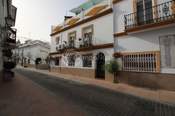 Estepona, LARGE TRADITIONAL SPANISH HOME