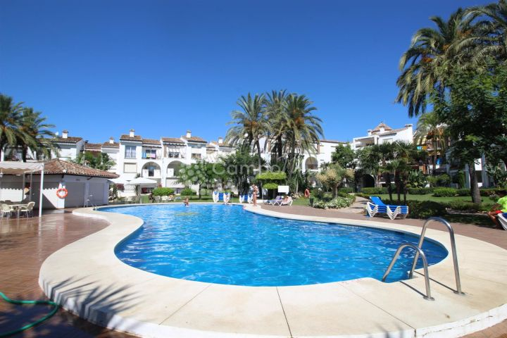 Estepona, Fantastic beach side location in between Estepona and Puerto Banus