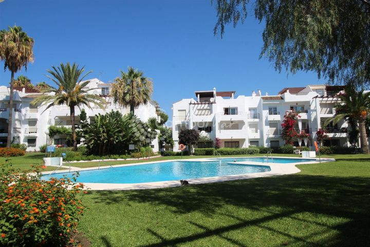 Estepona, TOWNHOUSE FOR SALE NEXT TO THE BEACH