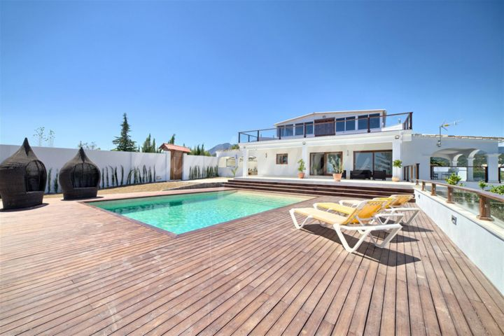 Estepona, Fully renovated country property for sale in Estepona