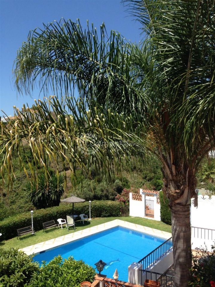Estepona, TOWNHOUSE IN A COUNTRYSIDE LOCATION