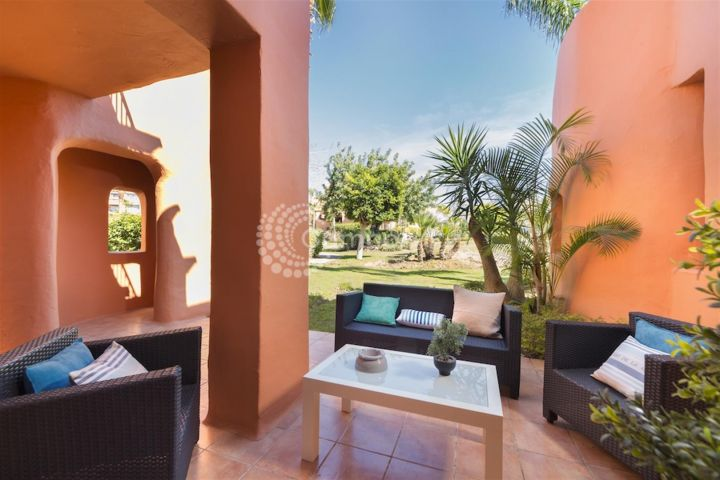 Estepona, Fantastic properties available close to the coast and golf in Estepona