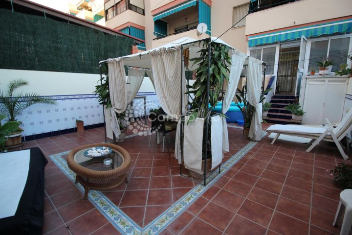 Estepona, GROUND FLOOR APARTMENT WITH LARGE PRIVATE TERRACE